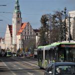 Jak zachęcić mieszkańców do korzystania z transportu publicznego? W Olsztynie rozmawiają o tym specjaliści z kilku krajów