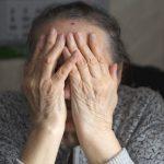 Unijna dopłata na zasiłek pogrzebowy to nowy sposób oszustów na wyłudzenie pieniędzy od seniorów