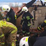 Groźny pożar kamienicy w Reszlu. Z budynku ewakuowano 18 osób