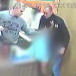 Pobili pracowników lokalu gastronomicznego na olsztyńskich Jarotach. Policja opublikowała wizerunki napastników