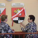 Jako jedyni nie mieli swojego herbu w sali sesyjnej sejmiku województwa. W Olsztynie zawisł herb powiatu węgorzewskiego