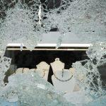Mężczyzna z siekierą napadł na sklep jubilerski w Lubawie