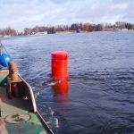 Sezon żeglarski coraz bliżej. Na szlaku Wielkich Jezior Mazurskich pojawiły się już boje kardynalne