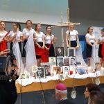 Podniosła atmosfera, poczty sztandarowe, apel pamięci i występy artystyczne. W Olsztynie uczczono ofiary Zbrodni Katyńskiej