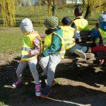"""Promocja aktywności ruchowej wśród dzieci. Na czym polega kampania """"Moje dziecko ma zdrowe nogi""""?"""