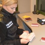 Byli poszukiwani za nieopłacone kary grzywny. Funkcjonariusze Straży Granicznej zatrzymali dziesięć osób