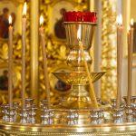 W cerkwiach odprawiane są uroczyste liturgie. Wierni obrządków wschodnich obchodzą dziś święto Matki Bożej Zielnej