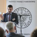 """""""Dyskusja polityczna była ostra, a przy tym co było kiedyś dziś mamy Wersal"""". W Olsztynie rozmawiano o posłach II Rzeczpospolitej"""
