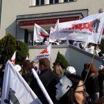 Kilkuset związkowców manifestowało w Olsztynie. NSZZ Solidarność domaga się podwyżek płac w sferze budżetowej