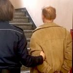 Zamiast przyjąć 200 złotych mandatu wciskał policjantom 500 złotych. Kłopoty mieszkańca Działdowa