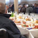 Caritas zorganizowała śniadanie dla 300 osób. Niektórzy potrzebujący byli już dziewiętnasty raz