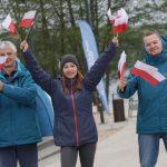 W Dniu Flagi mieszkańcom Olsztyna i turystom rozdajemy flagietki