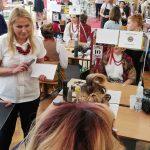 """""""Sprawny w zawodzie – bezpieczny w pracy"""". Przyszli fryzjerzy rywalizują w ogólnopolskim konkursie"""