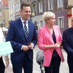 Kampania wyborcza na ostatniej prostej. Urszula Pasławska i Władysław Kosiniak-Kamysz spotkali się z mieszkańcami Olsztyna