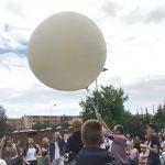 Nietypowy eksperyment w szkole. Uczniowie wysłali rzodkiew i drożdże w stratosferę