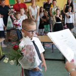 Dyrektor szkoły zdecyduje o formie i terminie wydania świadectw uczniom