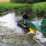 Trwa koszenie rzeki Łyny. Kajakarze i wędkarze muszą być wyjątkowo ostrożni