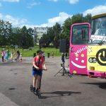 Autobus Kultury na osiedlu Pojezierze
