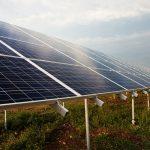 """Miliard złotych na produkcję """"zielonej energii"""". Gospodarstwa domowe mogą korzystać z programu """"Mój Prąd"""""""