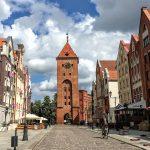 """""""Chcemy, aby Stary Rynek był najczęściej odwiedzanym miejscem w Elblągu"""". Samorząd promuje historyczną część miasta poprzez sztukę"""