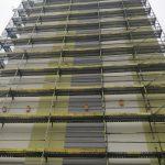 Ponad 150 budek dla ptaków pojawi się na remontowanych wieżowcach w Elblągu. Akcję nadzorują ornitolodzy