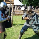 Turyści z całego świata zjechali się na Pola Grunwaldu. Dziś rozpoczynają się mistrzostwa Polski w walkach rycerskich