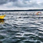 Muszą przepłynąć 170 kilometrów, bez pianek, wychodzenia z wody i spania. Dwóch śmiałków na Wielkich Jeziorach chce pobić rekord świata