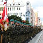 Odznaczenia, awanse i uroczysty apel. W Elblągu obchodzono Święto Wojska Polskiego