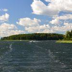 Zamknięcie szlaku na mazurskich jeziorach nie odstrasza żeglarzy