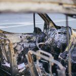 Samochód zapalił się podczas jazdy. Kierowca zdążył wysiąść