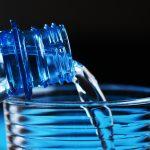 Czy mikroplastik w wodzie pitnej to zagrożenie dla zdrowia? WHO opublikowało specjalny raport