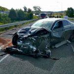 Brawurową jazdą doprowadził do zderzenia trzech aut. Kierowca mercedesa straci prawo jazdy i stanie przed sądem