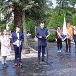"""""""Ktoś musi to pielęgnować, żebyśmy nie zginęli"""". Młodzież przejmie opiekę nad pomnikiem upamiętniającym walczących o polskość Wilna"""