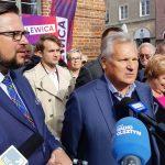 Aleksander Kwaśniewski spotkał się z mieszkańcami Olsztyna. Były prezydent poparł Marcina Kulaska w jesiennych wyborach