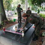 Oddali hołd walczącym o wolną Polskę. Terytorialsi sprzątali groby poległych podczas II Wojny Światowej