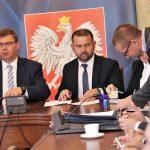 Kolejne umowy podpisane. Samorządy otrzymają ponad 20 milionów złotych z Funduszu Dróg Samorządowych