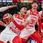 """""""Zrobiliśmy wszystko na więcej niż sto procent"""". Polscy koszykarze pokonali w Pekinie reprezentację Chin"""