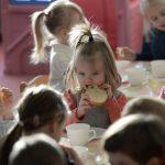 Prebiotyki – sprzymierzeńcy w walce z otyłością dzieci?