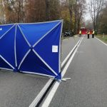 Śmiertelny wypadek koło Ostródy na drodze wojewódzkiej 542 i zderzenie trzech aut na krajowej 16