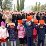 Międzypokoleniowy marsz niepodległości w olsztyńskim Zespole Szkół Chemicznych i Ogólnokształcących