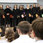 Uczniowie uhonorowani za ciężką pracę i dobre oceny. W Urzędzie Wojewódzkim wręczono stypendia Prezesa Rady Ministrów