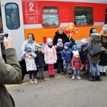 Poznali zawód kolejarza i mogli uruchomić lokomotywę. Dzieci z wizytą u olsztyńskich kolejarzy
