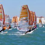 Młodzi żeglarze z Warmii i Mazur na mistrzostwach świata w windsurfingowej klasie Techno 293