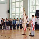Szkoły do hymnu. Punktualnie o 11.11 tysiące uczniów odśpiewało Mazurka Dąbrowskiego