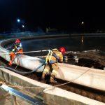 Substancja ropopochodna w olsztyńskiej oczyszczalni ścieków. Na miejscu pracowało ponad 30 strażaków