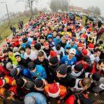 Znamy zwycięzców Mikołajkowej Dyszki w Mikołajkach. Na Mazury przyjechali biegacze z kraju i zagranicy