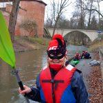 """Najodważniejsi wzięli udział w noworocznym spływie rzeką Łyną. """"Momentami wiało, ale i tak było ciepło"""""""