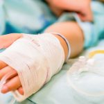 Największy szpital w Elblągu wznawia odwiedziny chorych. Placówka wprowadza jednak ograniczenia
