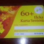Tańsze bilety i zniżki – wszystko dzięki Karcie Seniora. Duże zainteresowanie wśród mieszkańców Ełku