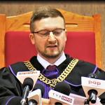 Olsztyński sąd zdjął z wokandy sprawę Pawła Juszczyszyna. Prokuratura prosi o dokumenty